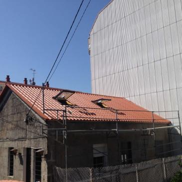 Montaje de Cubierta en Panel Teja en Vigo