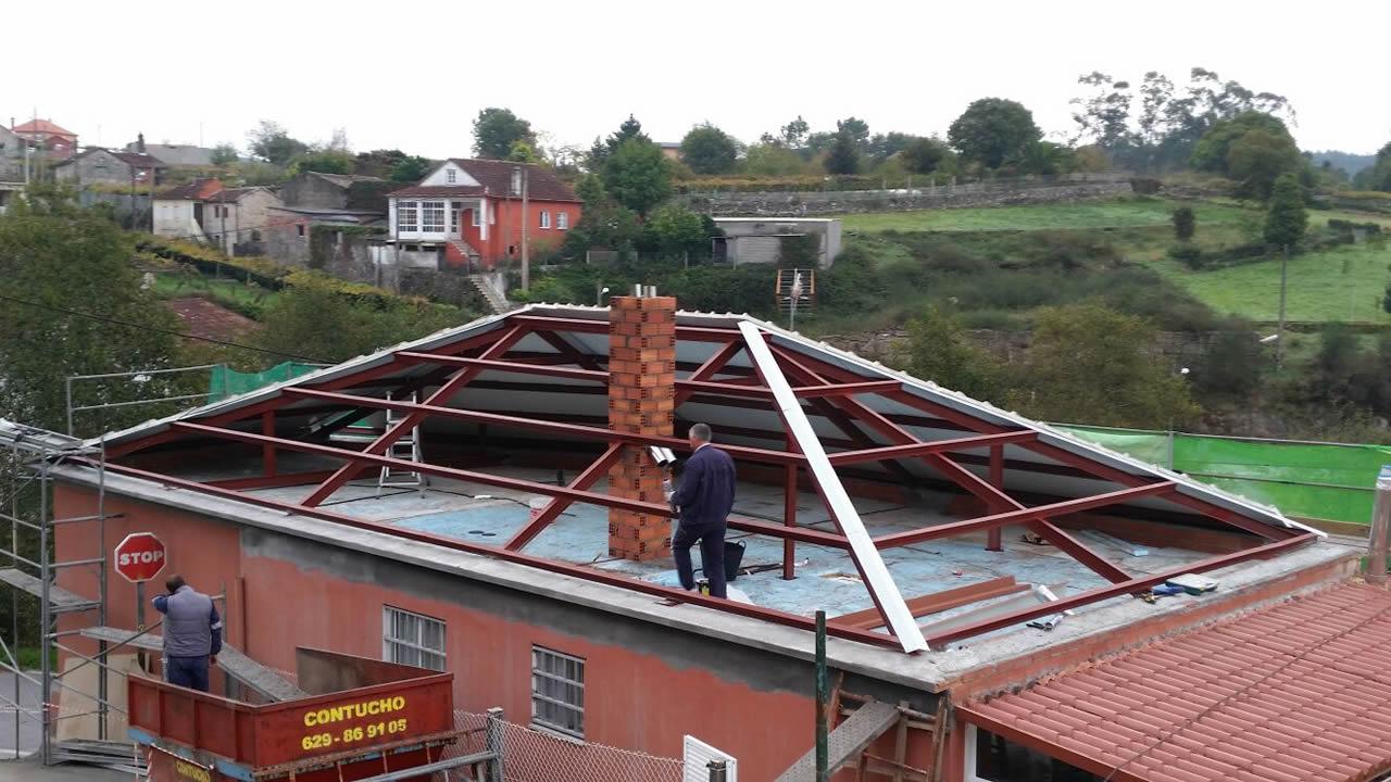 Tejado cuatro aguas materiales para la renovaci n de la casa for Tejados de madera a cuatro aguas