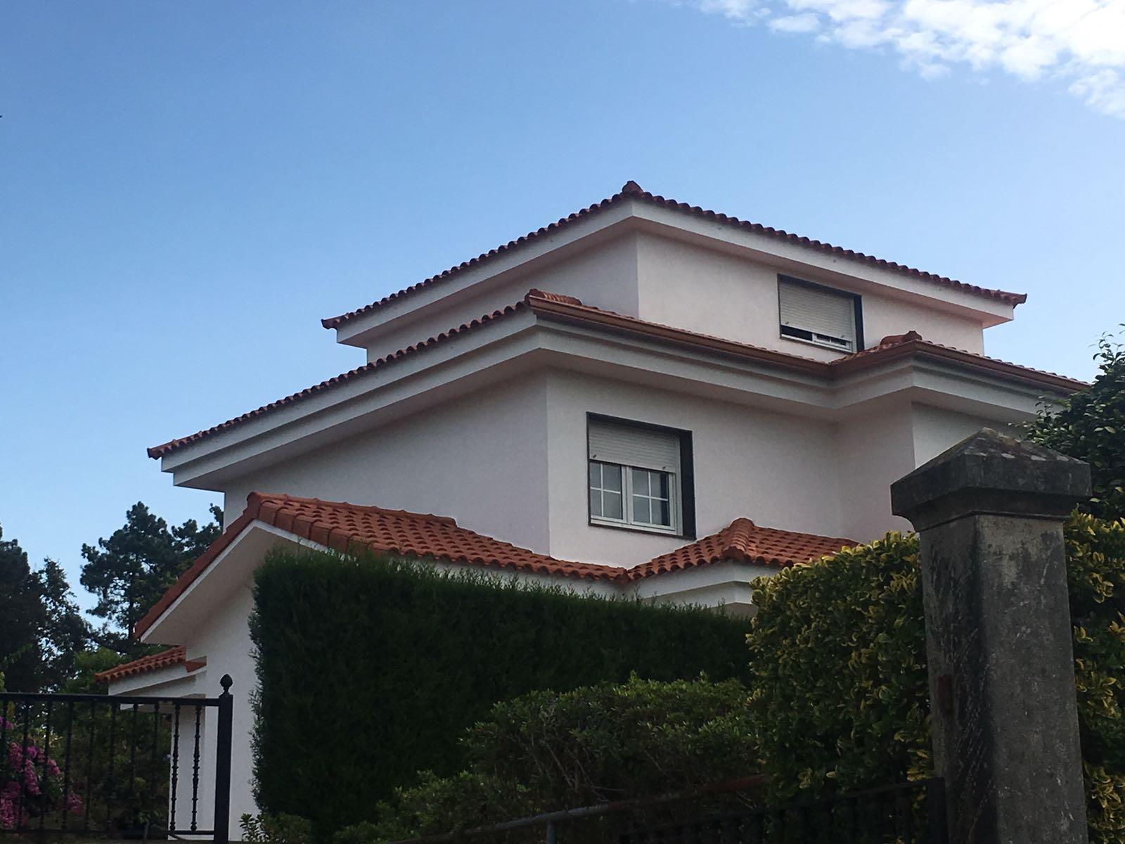 Construcción de tejado en Mourente