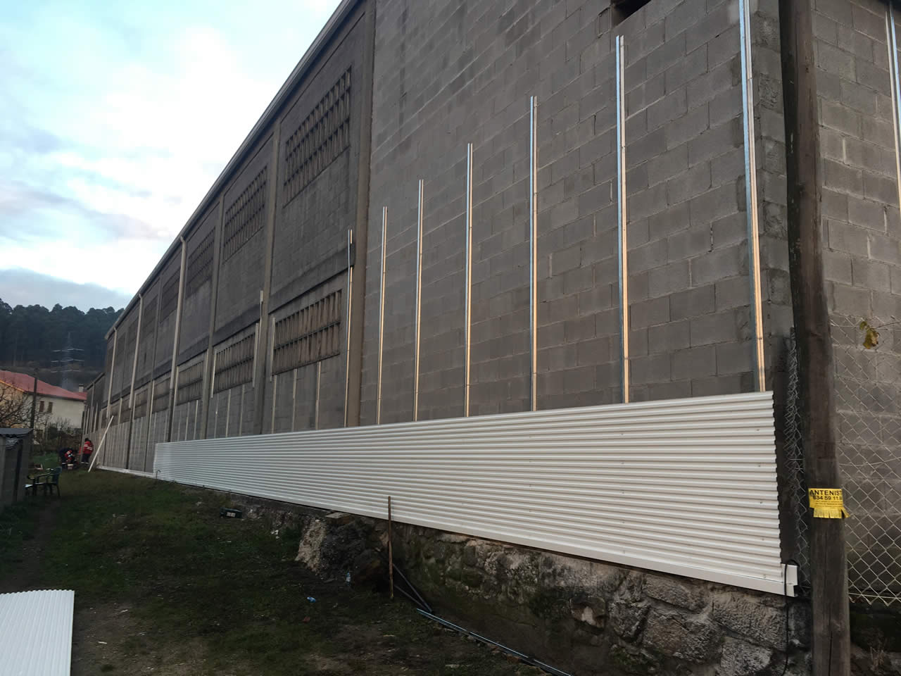 Revestimiento fachadas naves industriales Pontevedra Rodrguez Metal