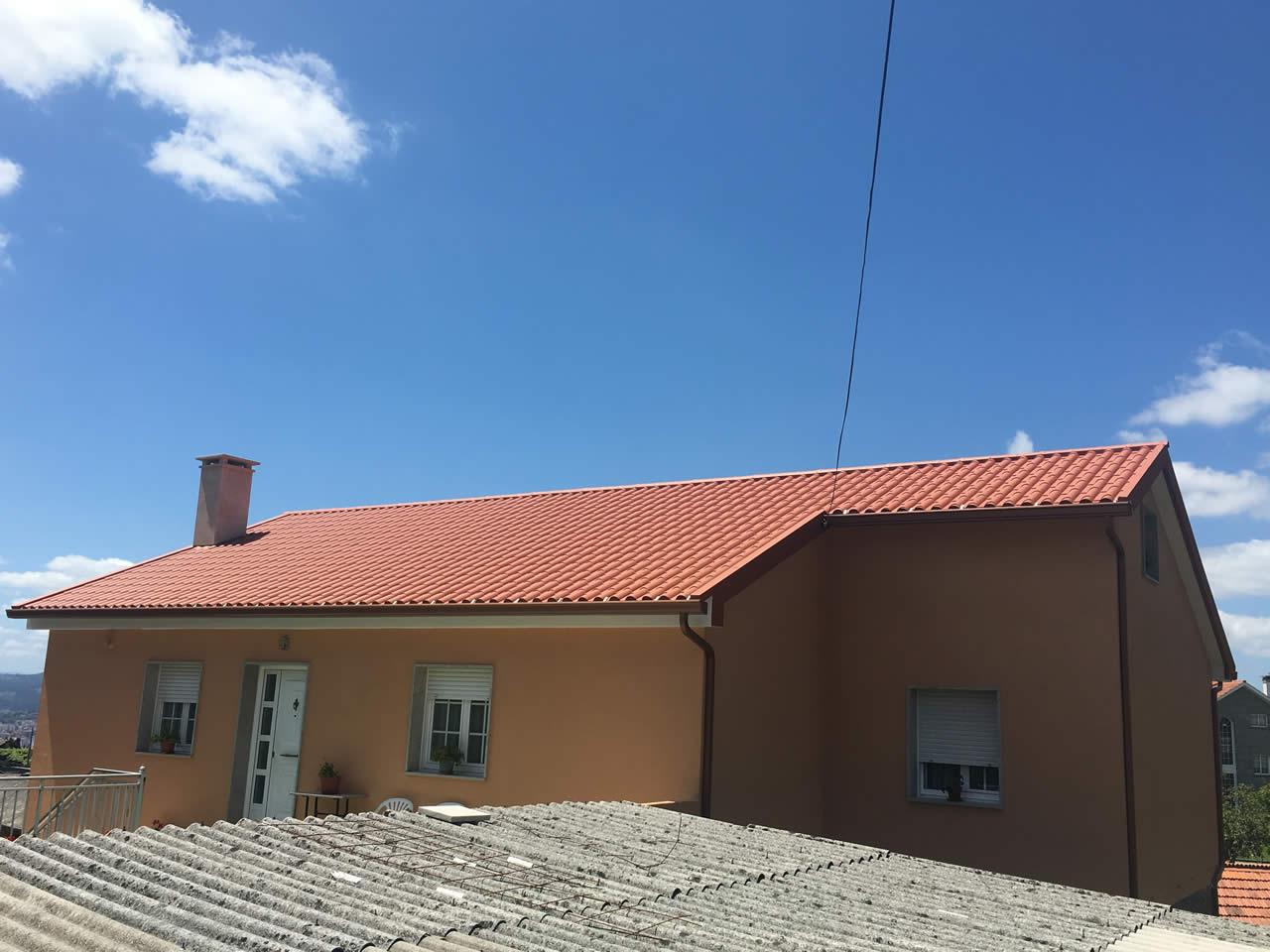 Construcción de cubierta de panel teja en Pontevedra