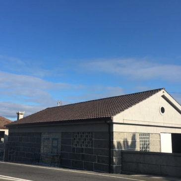 Construcción de tejado a dos aguas en Barro