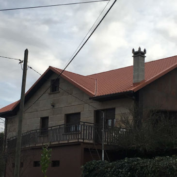 Construcción de cubierta panel teja en Figueirido