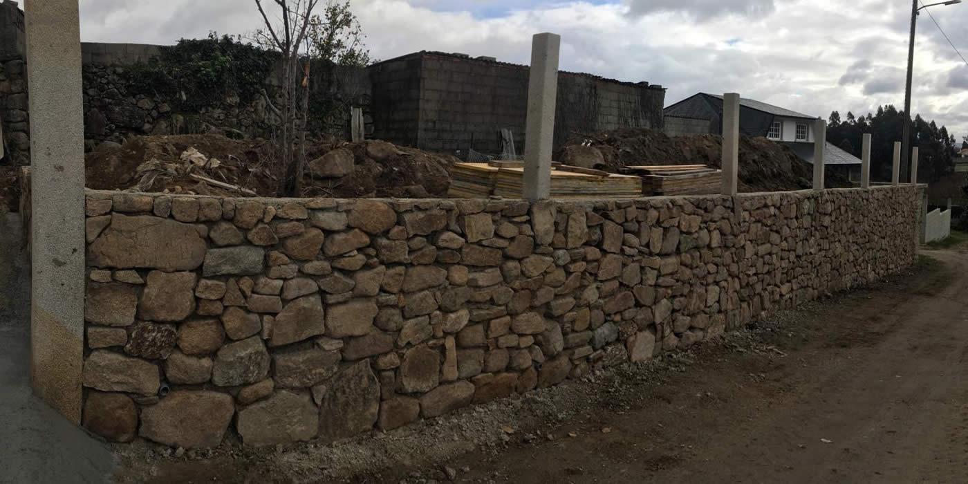 Construcción de muro de piedra en Campañó, Pontevedra - Construcciones Rodríguez Metal