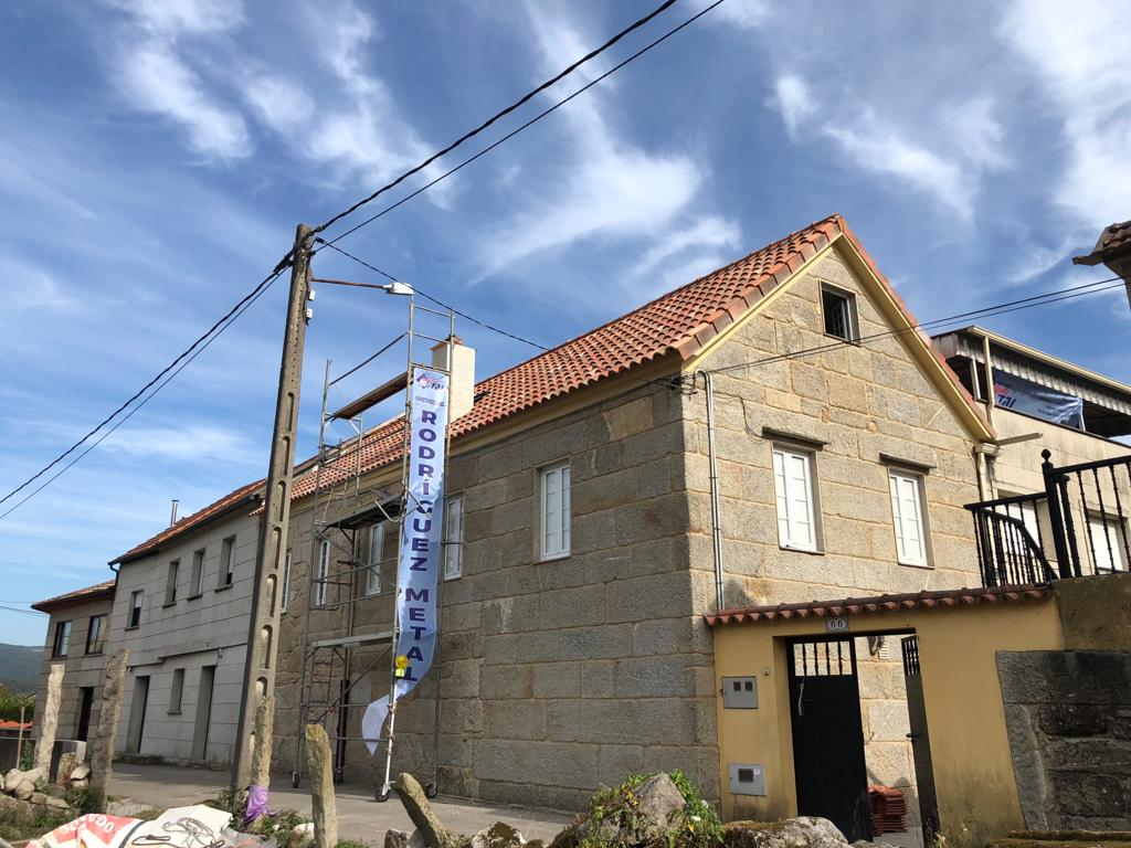 Construcción de tejado en Vilaboa - Construcciones Rodríguez Metal